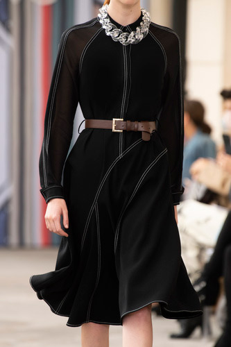 فستان أسود ميدي من Maryling