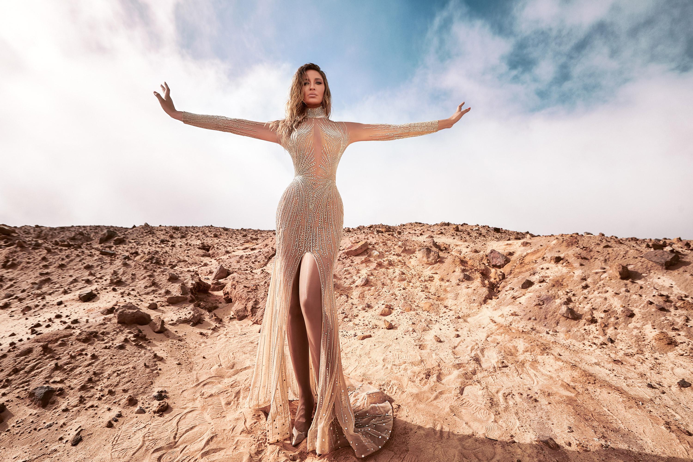 فستان للسهرة من توقيع المصمّم رامي سلمون