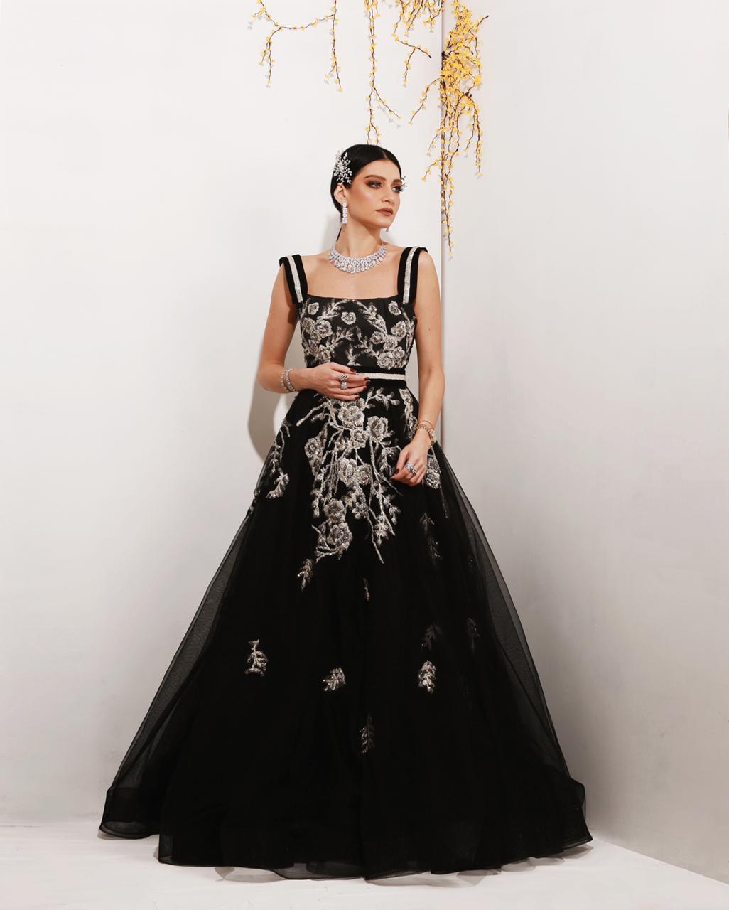 فستان منفوش من المصممة مي السبيعي