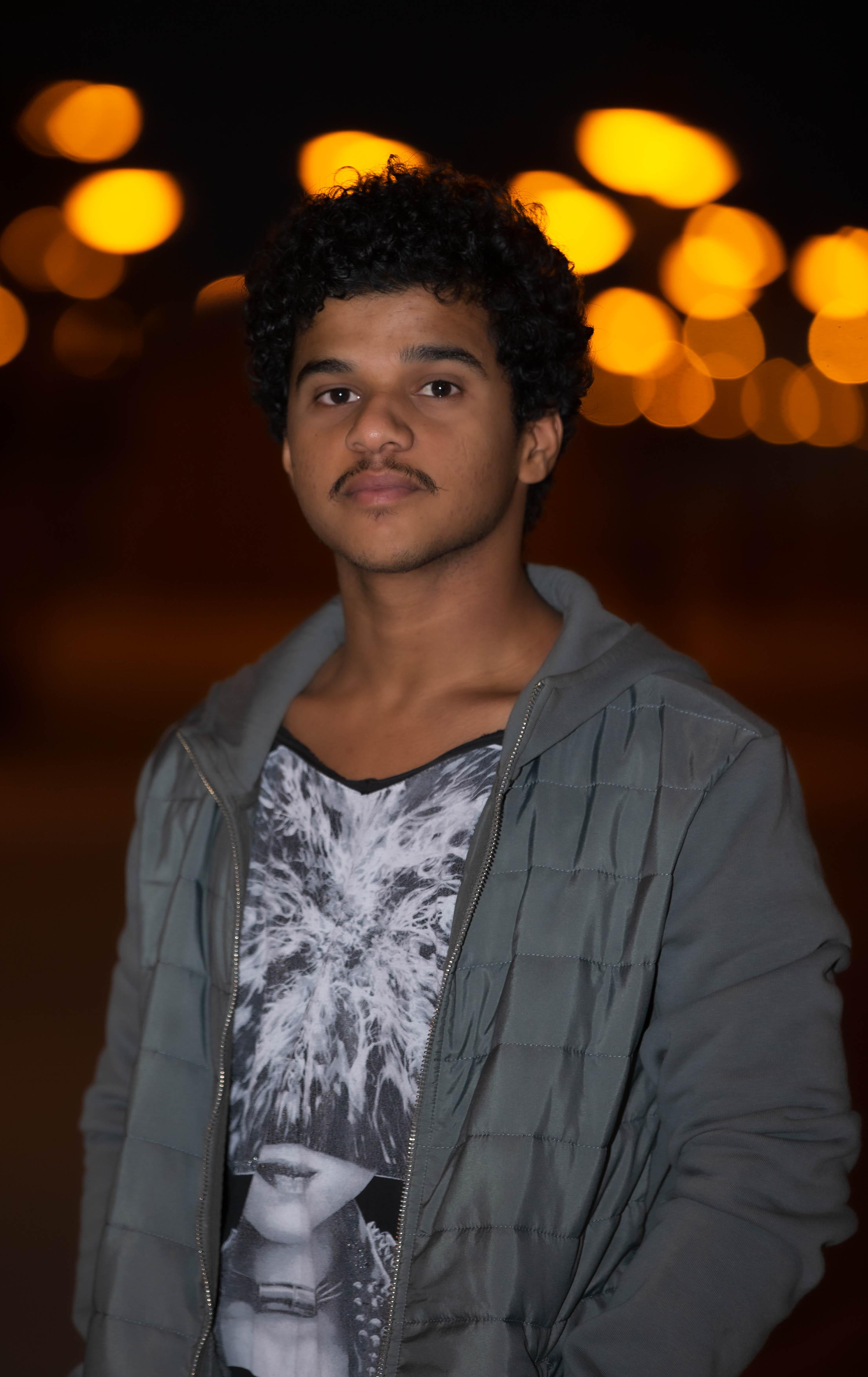 الفنان السعودي سلطان عيسى