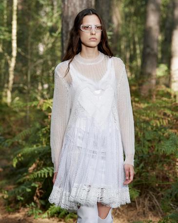 فستان أبيض من بيربري