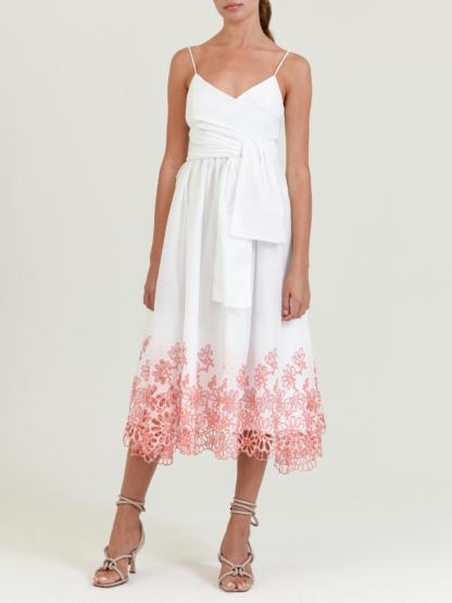 فستان أبيض من silviat cherassi