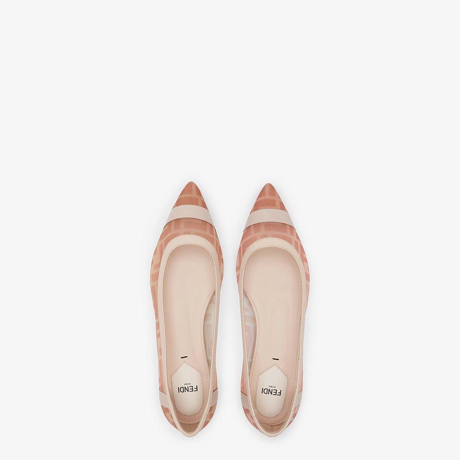 حذاء مسطح من Fendi