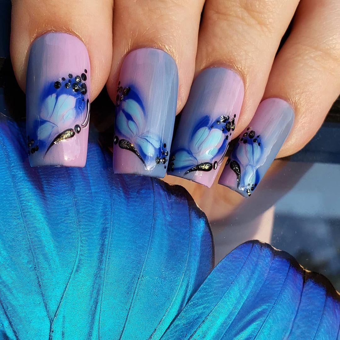 الفراشة المائية