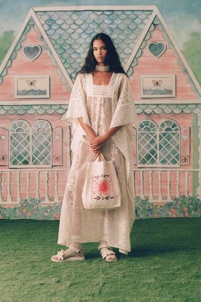 فقطان دانتيل من أنا سوي Anna Sui