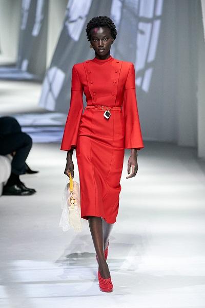 فستان ميدي بقصة مستقيمة من فندي Fendi
