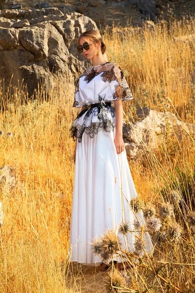 فستان سهرة طويل باللونيني الأسود والابيض من إيلي صعب Elie Saab