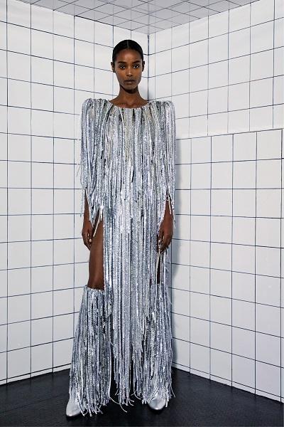 فستان سهرة طويل لماع باللون الفضي من أليكساندر فوتييه Alexandre Vauthier