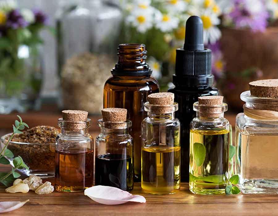 الزيوت الطبيعية لعلاج حبوب الظهر
