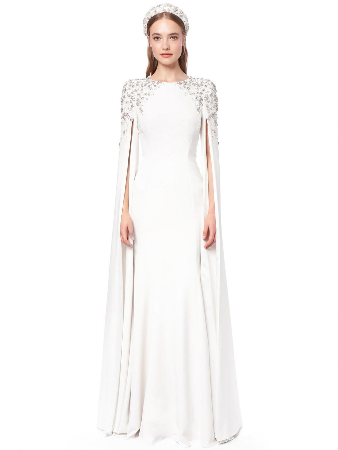 فساتين زفاف بالكاب الأبيض