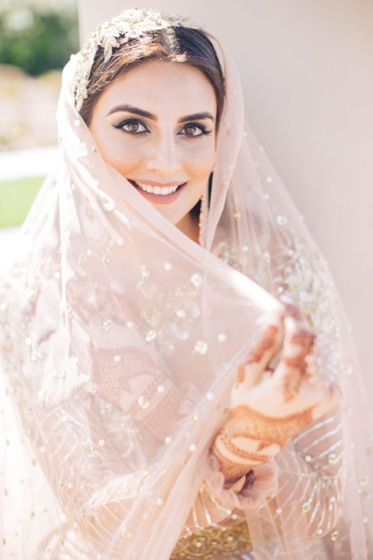 حواجب العروس