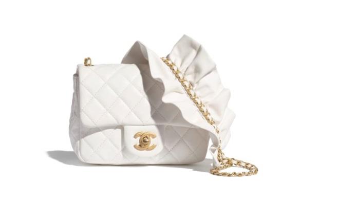حقيبة صغيرة من شانيل