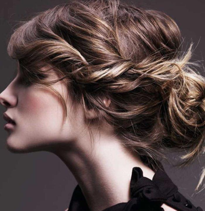 تسريحة لف الشعر للداخل بأسلوب عصري لافت