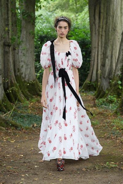 فستان ماكشي بطبعات الورود الحمراء من إرديم  Erdem