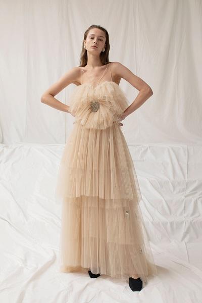 فستان سهرة من التول بلون نيود من ساندرا منصور Sandra Mansour