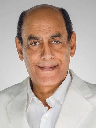 أحمد بدير.. الصورة من حسابه الرسمي على فيسبوك