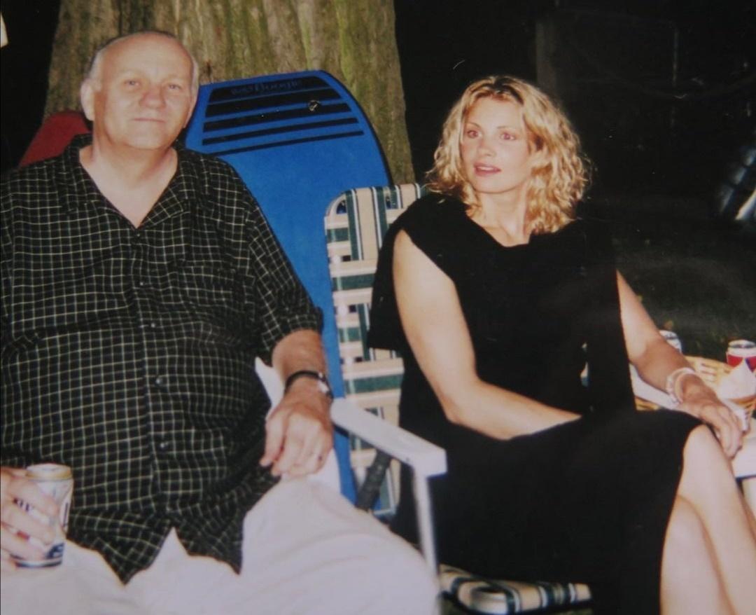 مونيكا بوتر مع والدها- الصورة من حسابها على إنستغرام