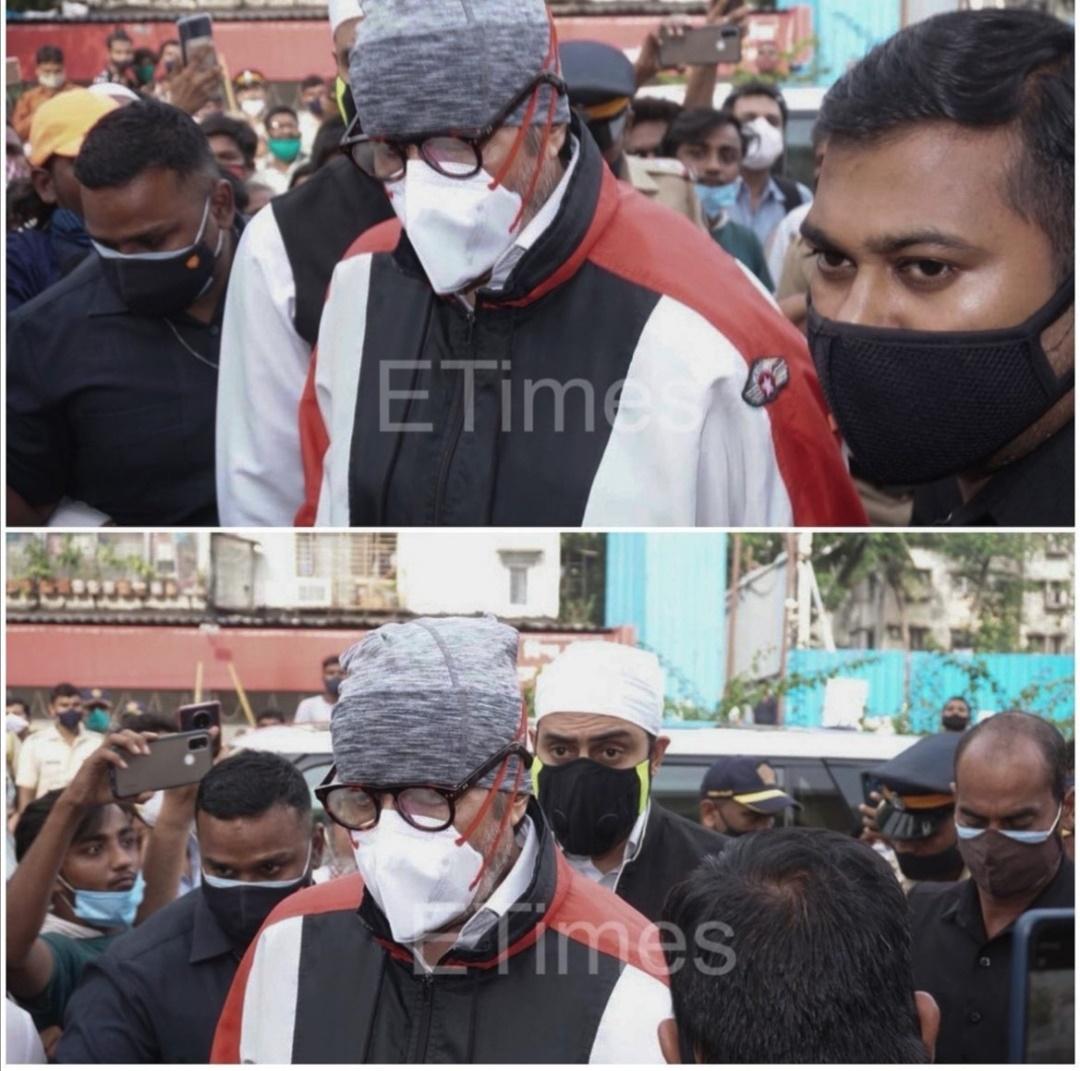 مشاركة النجم أميتاب باتشان في جنازة ديليب كومار- الصورة من حساب مجلة E Times على إنستغرام.jpg