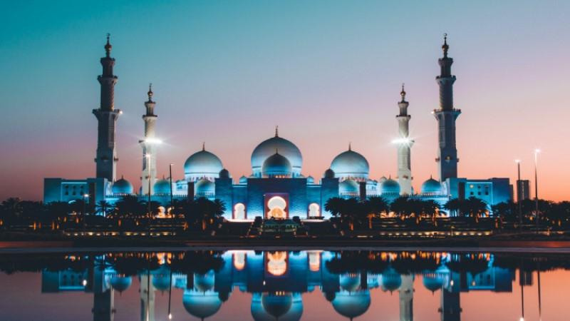 مسجد الشيخ زايد الكبير في الإمارات