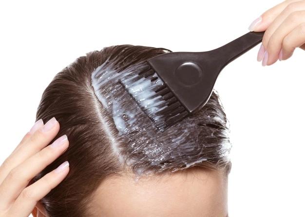 صبغ الشعر يشكل طبقة تحمي الشعر