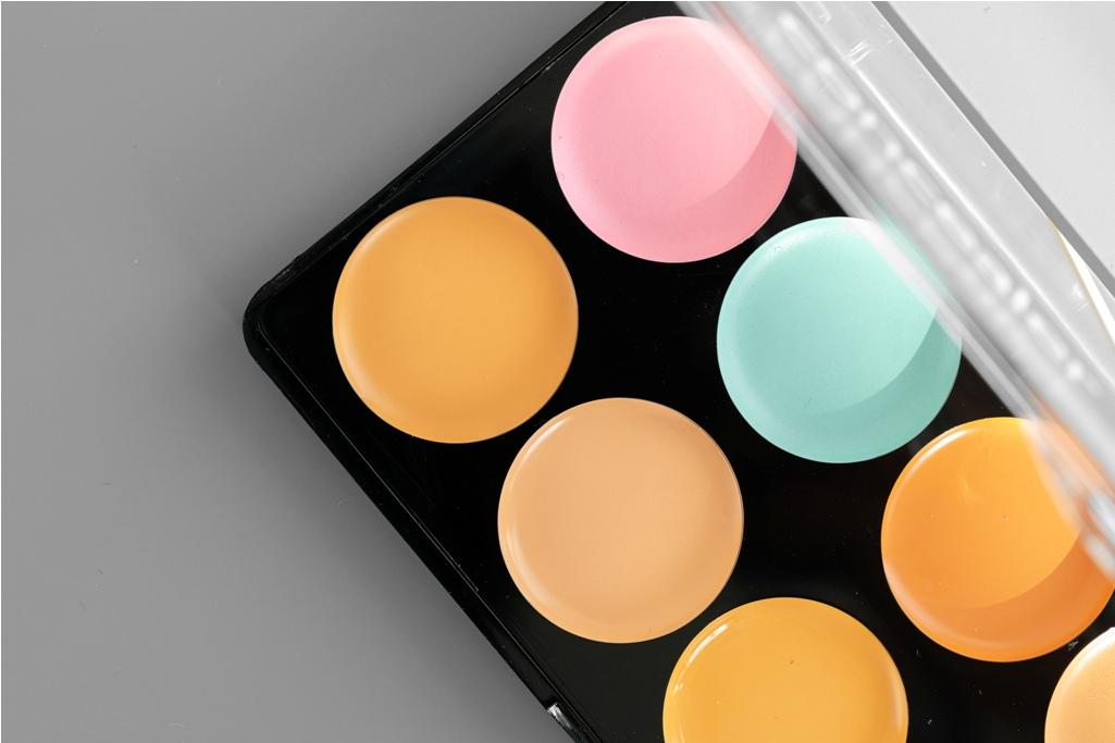 مصحح اللون المناسب للون بشرتك