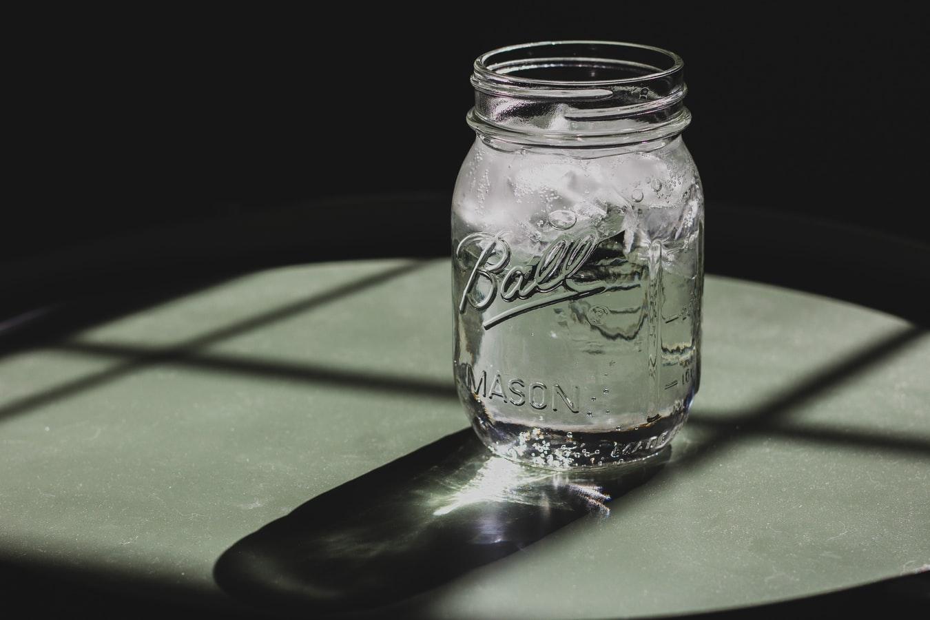 طريقة استخدام ماء القمر في روتينك للعناية بالبشرة