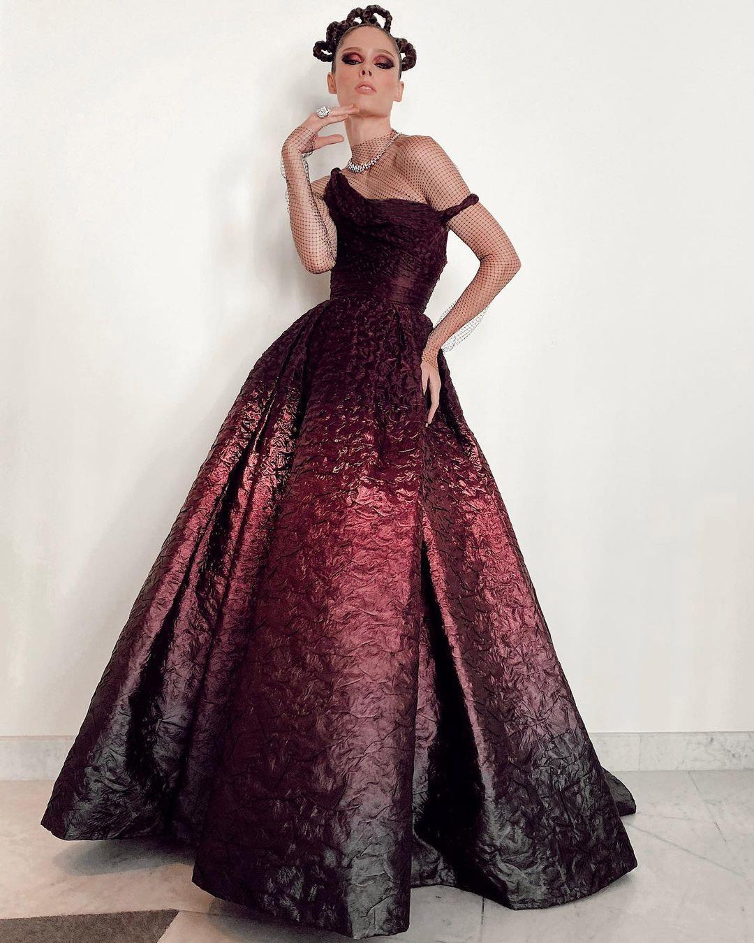 ارضة الأزياء الكندية كوكو روشا Coco Rocha وهو تصميم فاخر من دار ديور Dior