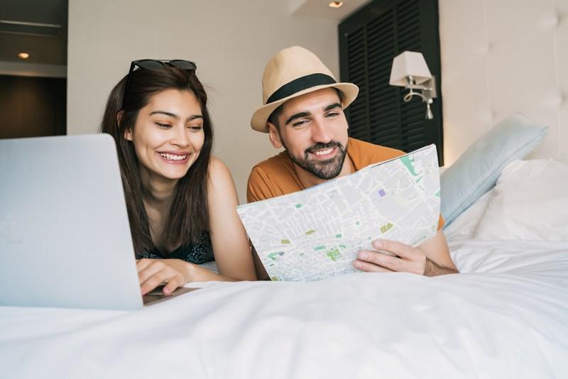من الضروري أن يختار الثنائي الأماكن والنشاطات السياحية معاً