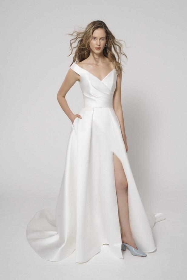 فستان زفاف مع فتحة جانبية من ألين باي ريتا فينييريس Alyne by Rita Vinieris