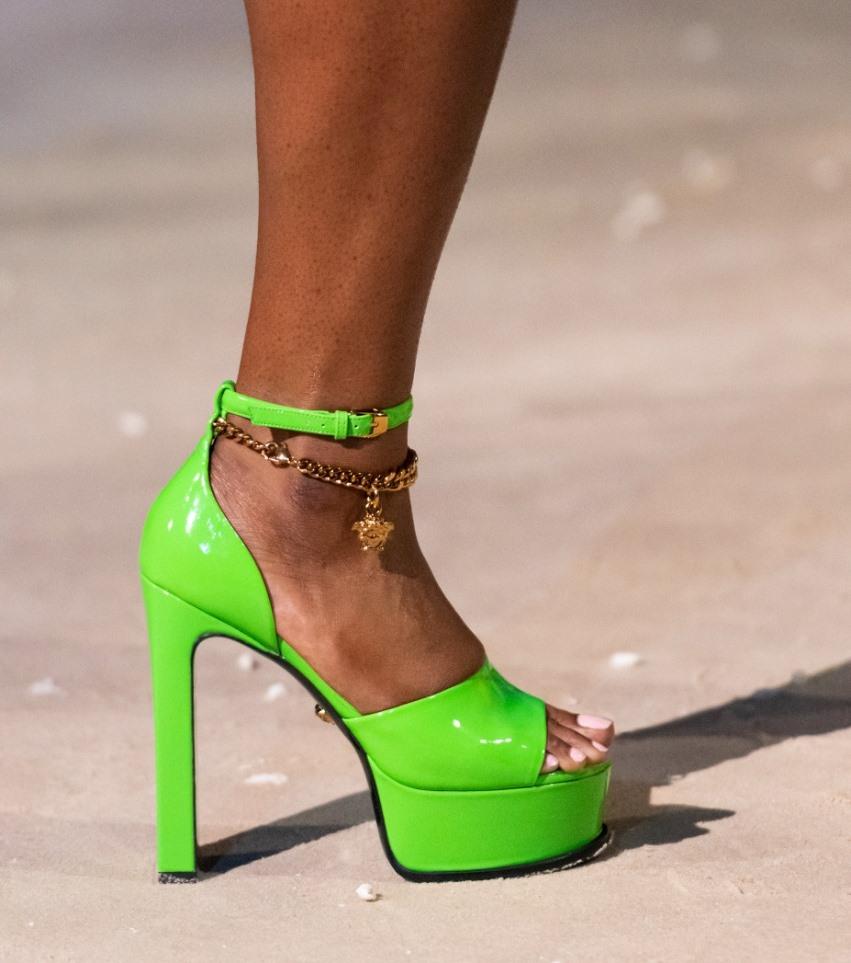فيرساتشي Versace