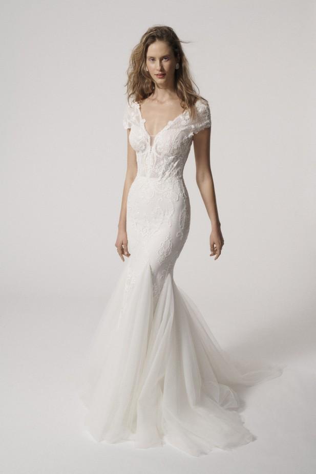 فستان زفاف من ألين باي ريتا فينييريس