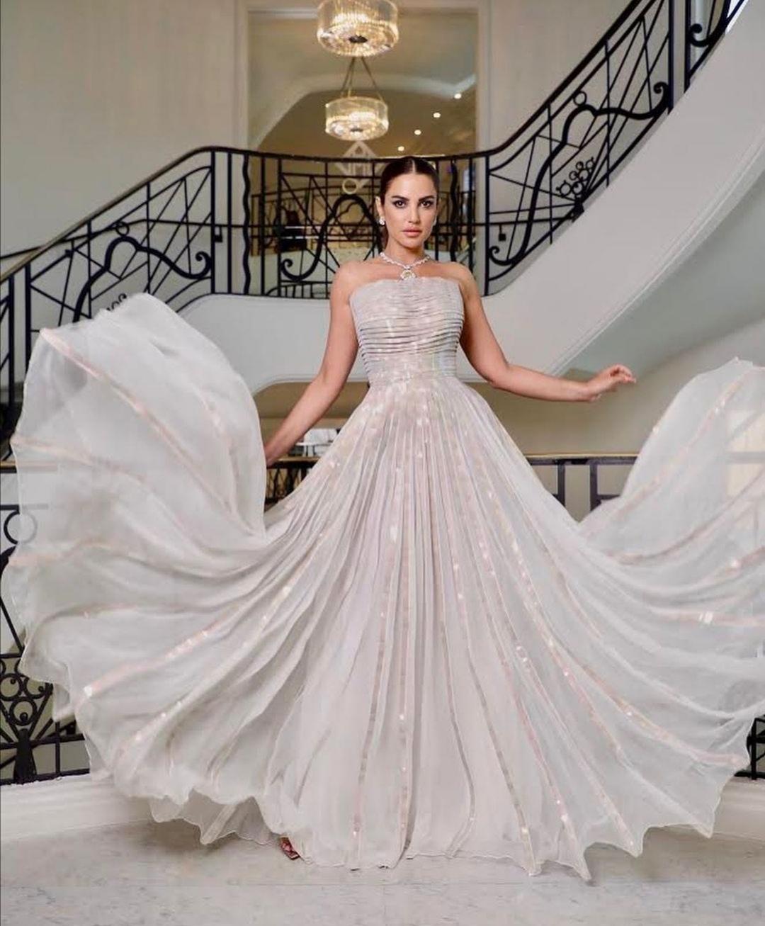 درة زروق بفستان من رامي قاضي