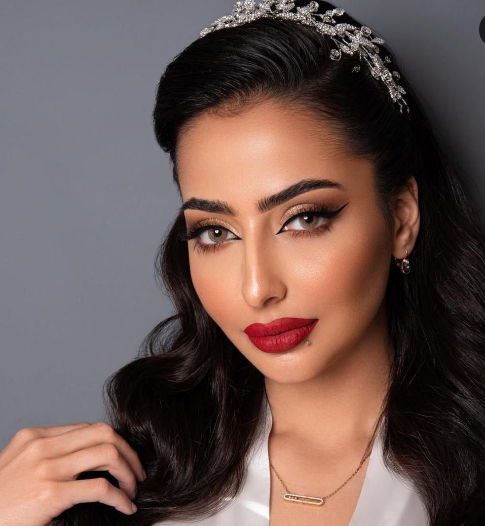 1 مكياج عروس لامع من خبيرة التجميل شيخة عبدالرحمن -الصورة من حسابها على الانستغرام