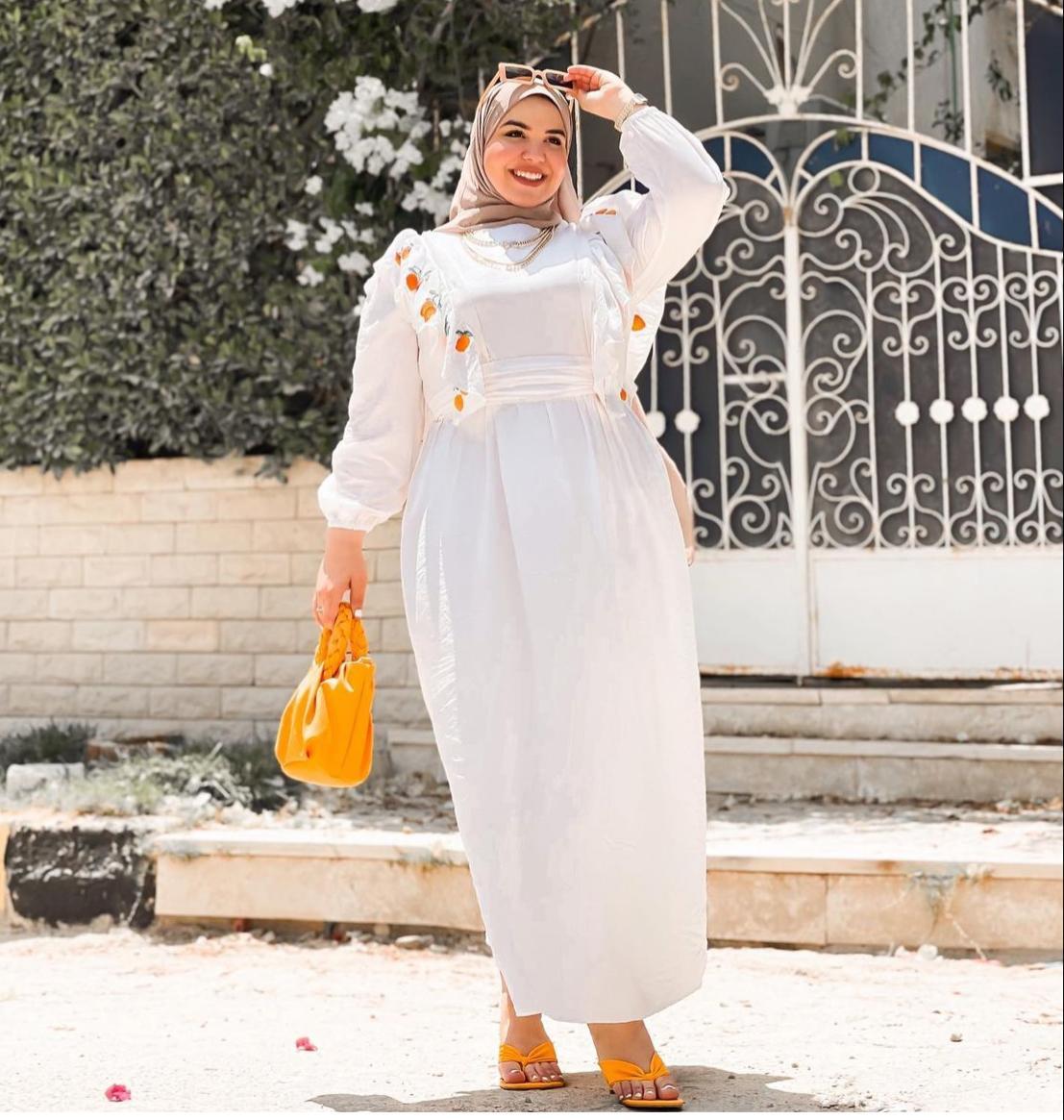 1 ياسمين وجدي بفستان صيفي -الصورة من حسابها على الانستغرام