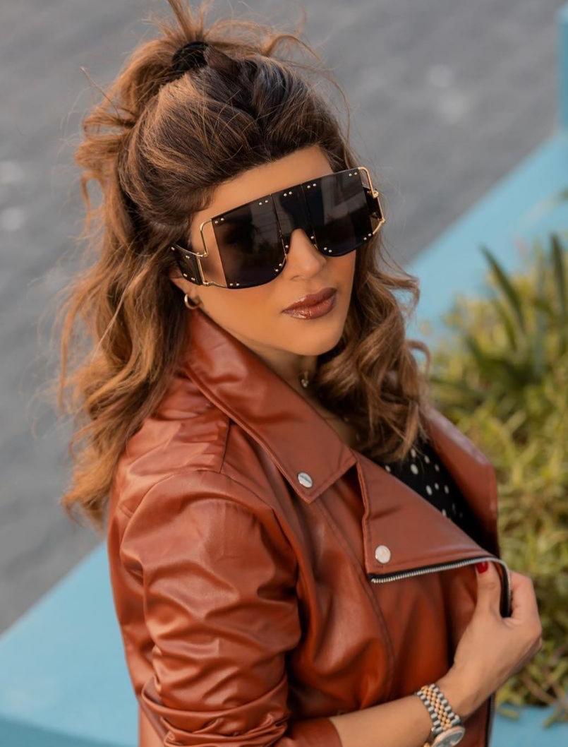 تسريحة الشعر نصف المرفوع من غدير السبتي -الصورة من حسابها على الانستغرام
