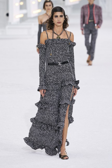 فستان منقط من شانيل Chanel
