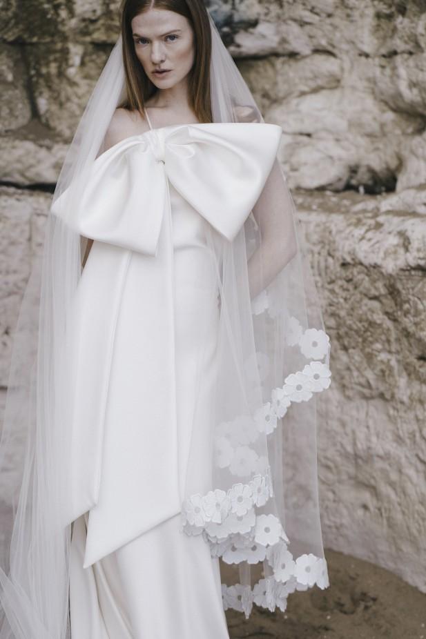 فستان زفاف مع فيونكات من Halfpenny London -صورة 1