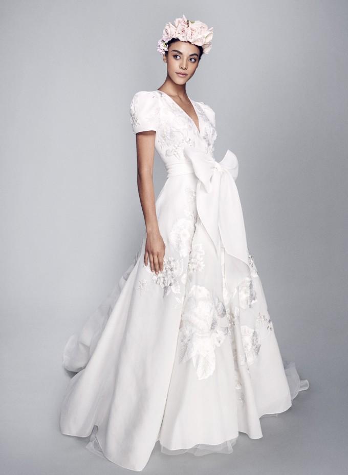 فستان زفاف مع فيونكات من  Marchesa -صورة 2