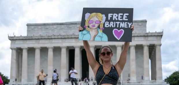 حملة حرروا بريتني- الصورة من موقع The Guardian