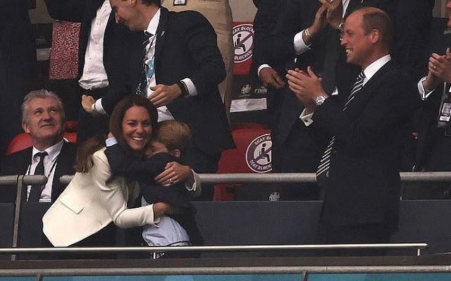الفرحة بعد هدف إنجلترا- الصورة من موقع New my royals