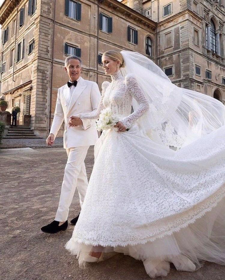 الليدي كيتي سبنسر و زوجها الملياردير مايكل لويس - الصورة من موقع The real my royals