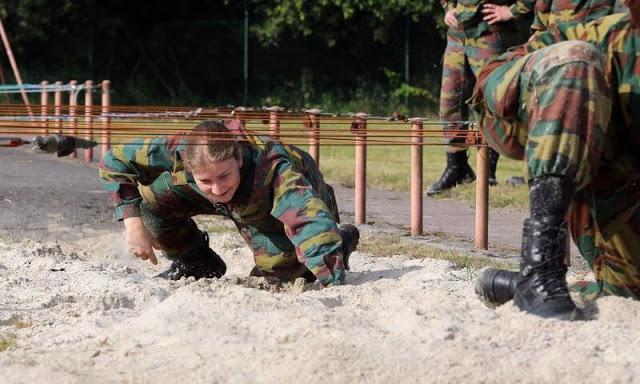 الأميرة إليزابيث في التدريبات العسكرية- الصورة من موقع New my royals-