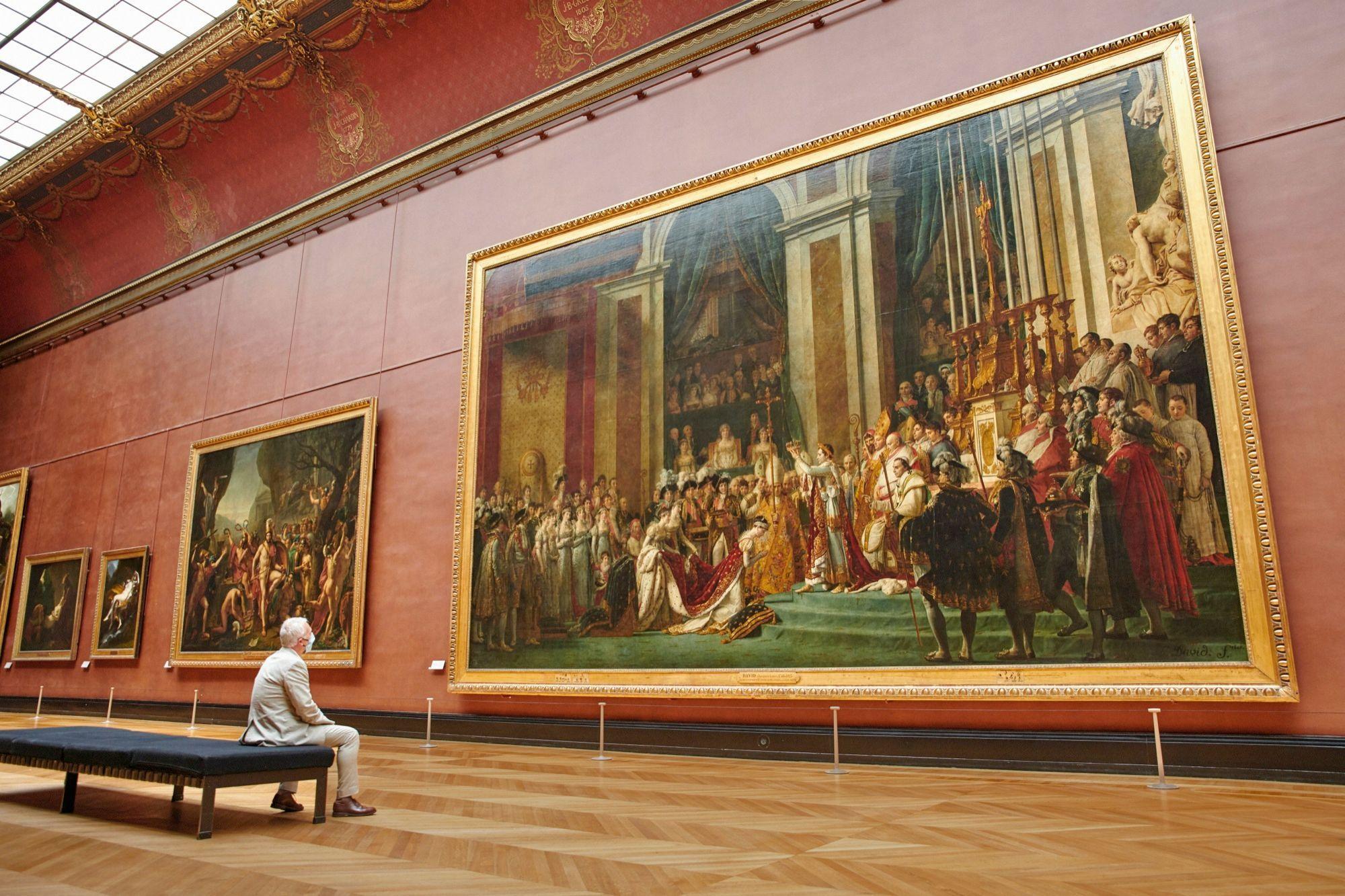 من داخل متحف اللوفر  الصورة من موقع المتحف الرسمي