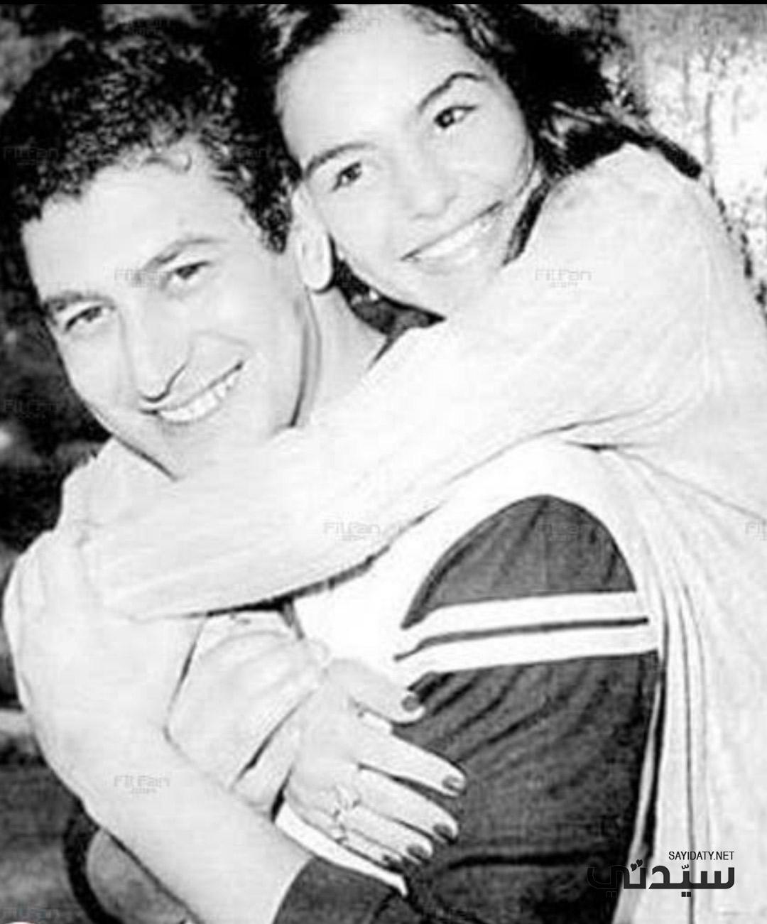عمر خورشيد وأخته الصغري شيريهان- الصورة من أرشيف جيهان خورشيد