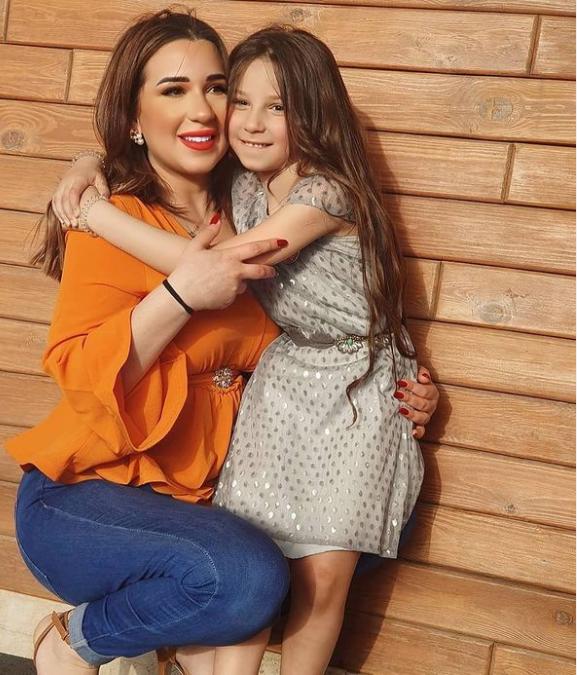 أسماء شريف منير وابنتها .. الصورؤة م حسابها على انستقرام