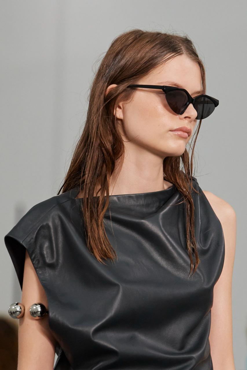 SportMax صورة ٤ نظارة شمسية باللون الأسود من