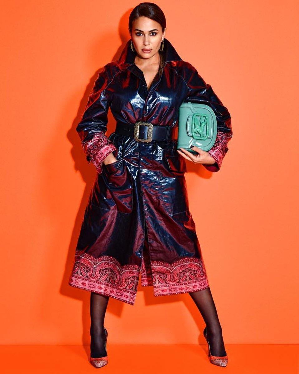 صورة ١ هند صبري بفسان طويل جلد باللون الأسود الصورة من حسابها على انستغرام