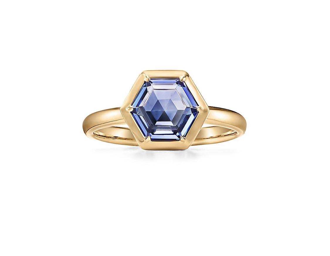 خاتم سداسي من تيفاني أند كو Tiffany & Coلعروس صيف 2021
