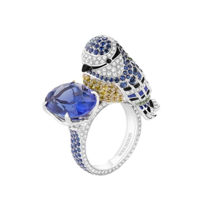 خاتم جذاب بالياقوت الأزرق من علامة بوشرون Boucheron