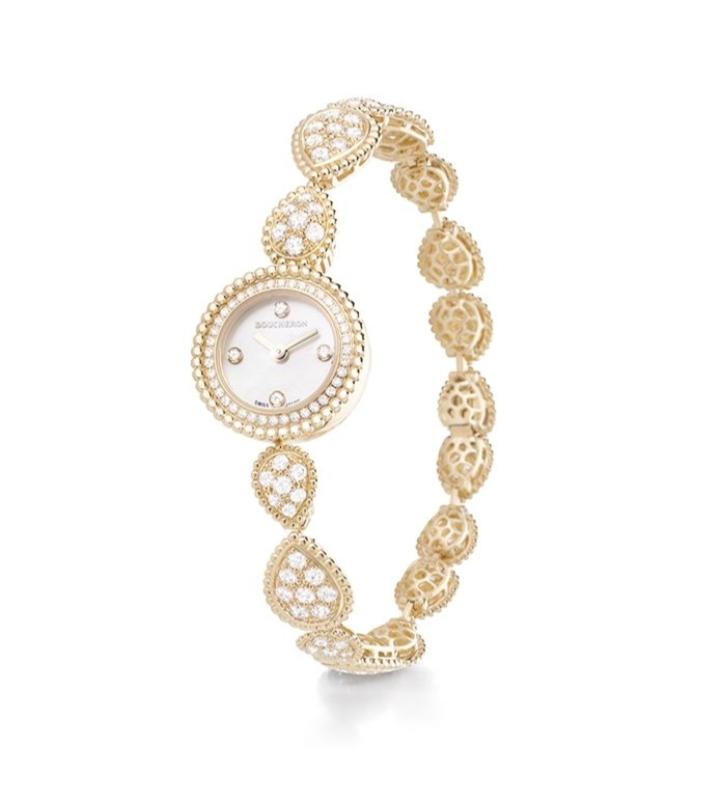 ساعة يد ذهب مرصّعة بعرق اللؤلؤ تليق بالعروس من علامة بوشرون Boucheron